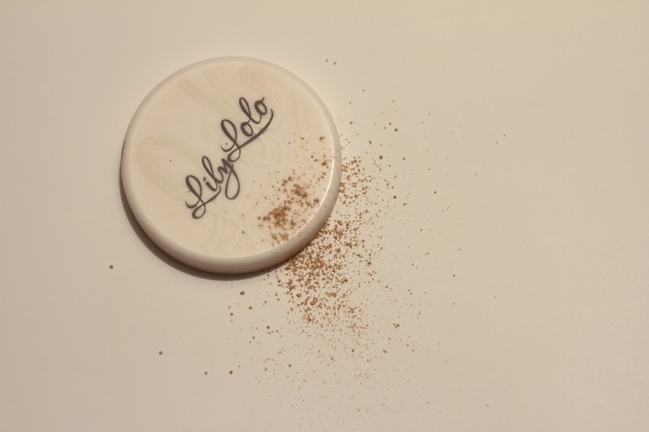 Lily Lolo : une marque sérieuse et fiable, qui convient à toutes les peaux.
